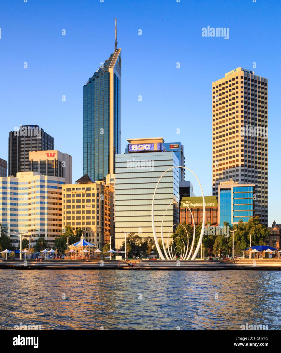 Elizabeth Quay und der Stadt Perth. Australien Stockbild