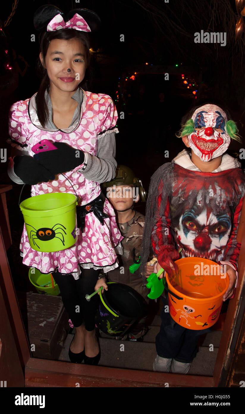 Halloween Kostume Amerika.Teen Asiatisch Amerikanische Madchen In Einer Moglichen