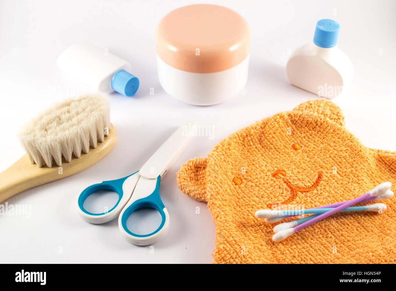 Baby Accessoires Fur Badezimmer Auf Weissem Hintergrund Stockfoto