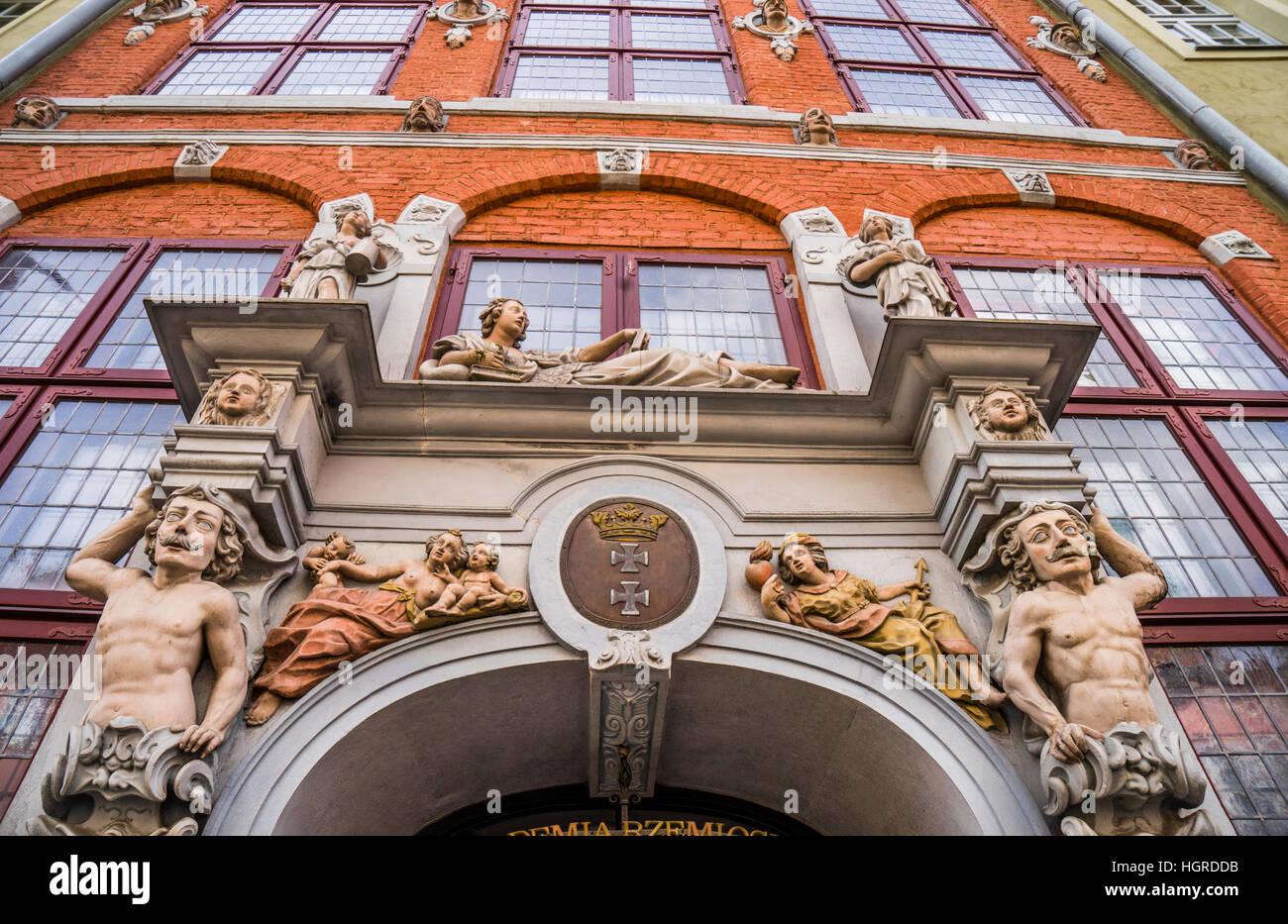 Polen, Pommern, Gdansk (Danzig), blumig dekorierte Fassade des patrizischen Hauses (Jopengasse 1/2), Ulica Piwna Stockbild
