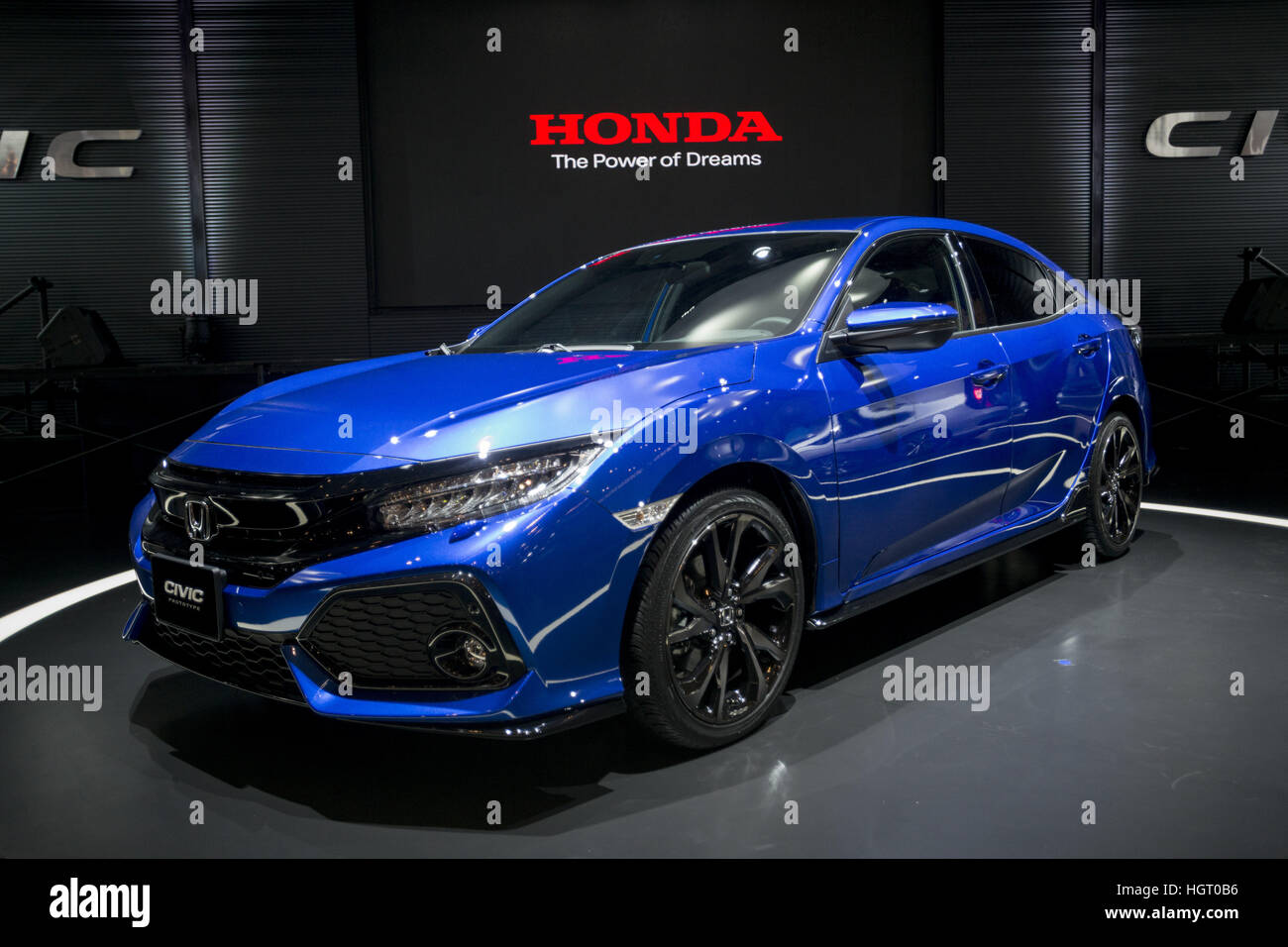 Tokio, Japan. 13. Januar 2017. Der HONDA CIVIC auf dem Display an ...