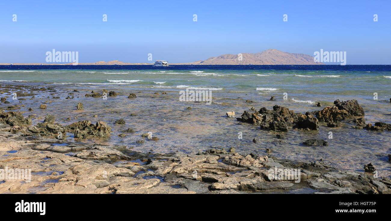 Meer und Tiran Island in Sharm El Sheikh Stockbild