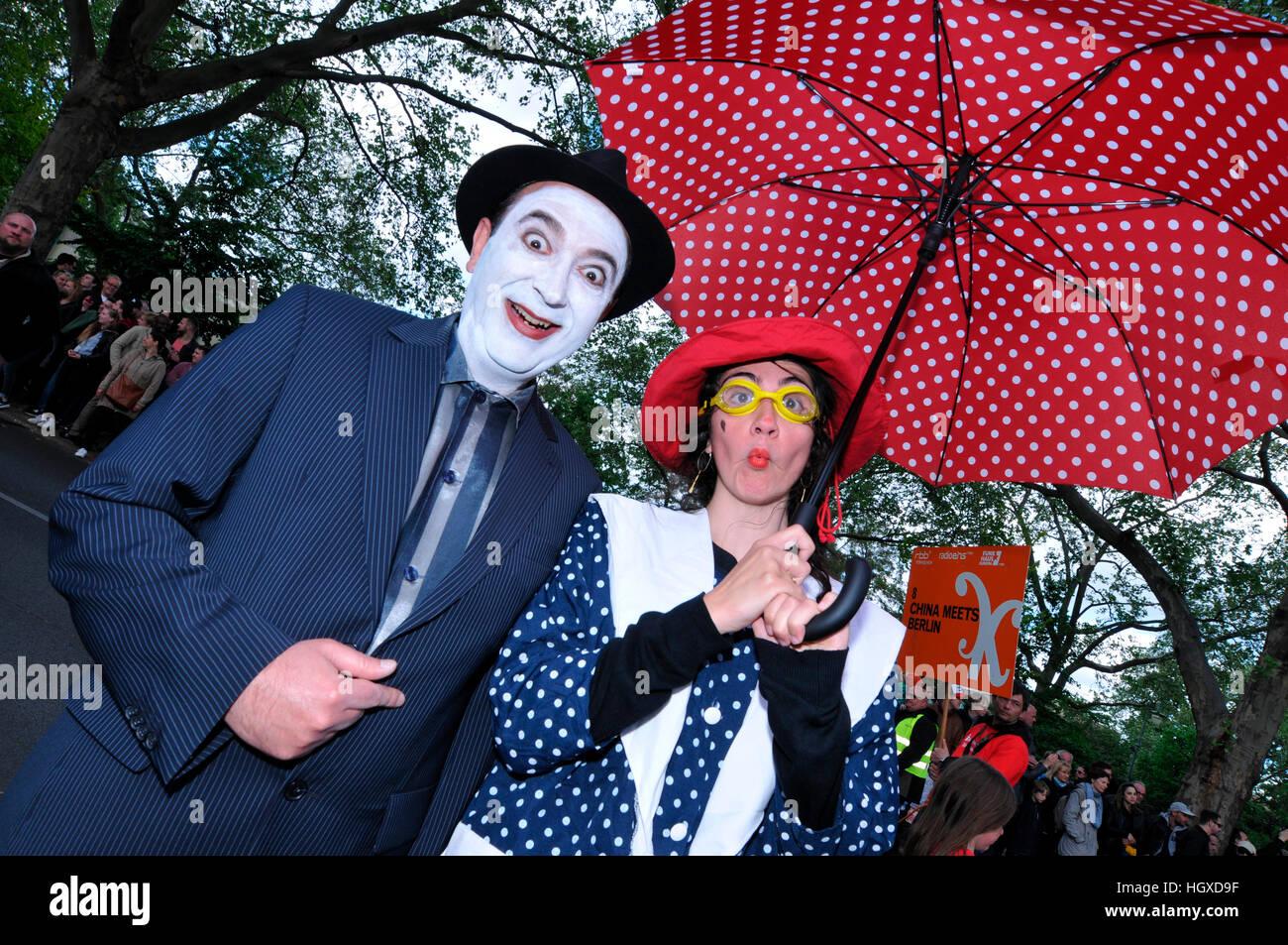 Clowns, Karneval der Kulturen, Kreuzberg, Berlin, Deutschland Stockbild