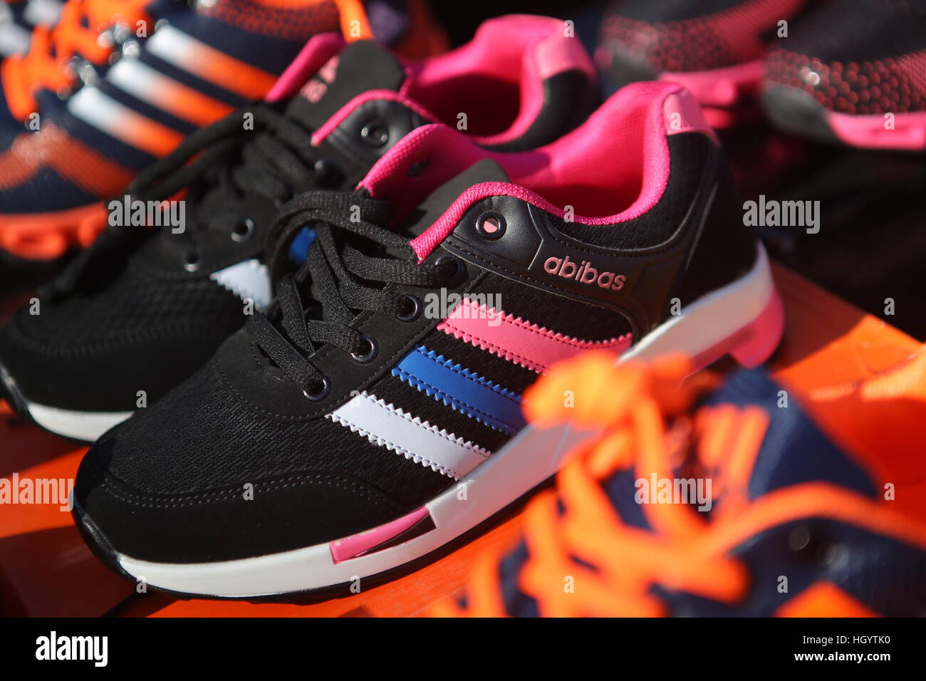 best service be259 b7b3e Stockfotos amp Fake Alamy Shoes China Bilder SqqpvFW