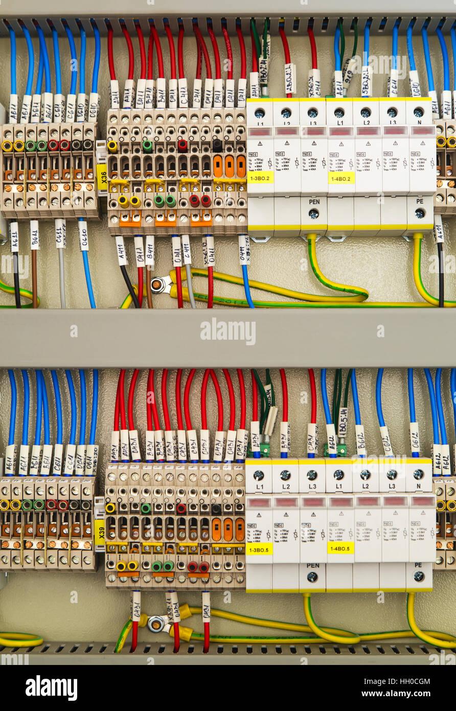 Ungewöhnlich Elektrisches Verdrahtungssystem Ideen - Der Schaltplan ...