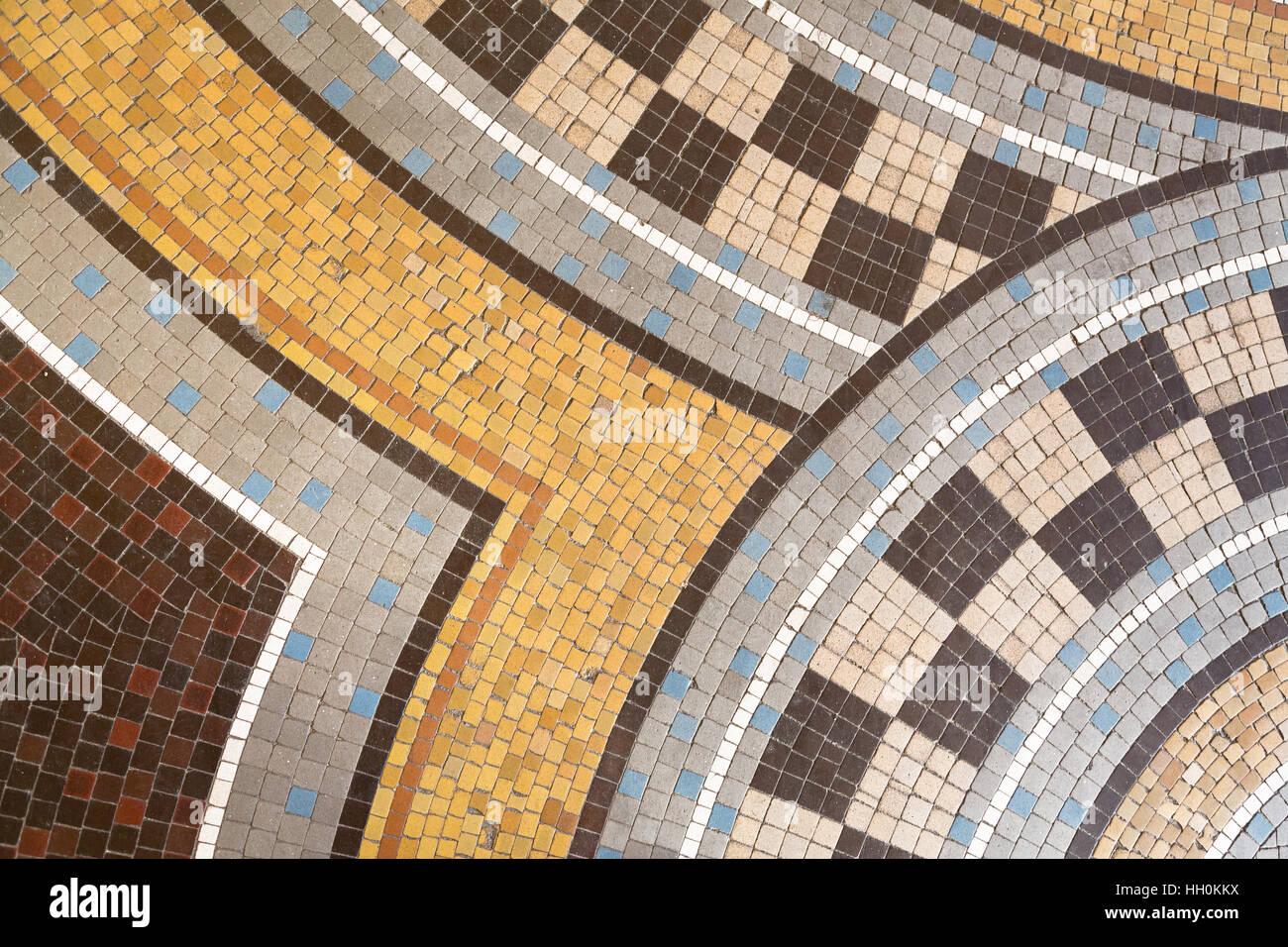 Mosaik Fliesen Abstrakten Hintergrund In Den Farben Braun, Gelb, Beige, Weiß  Und Blau.