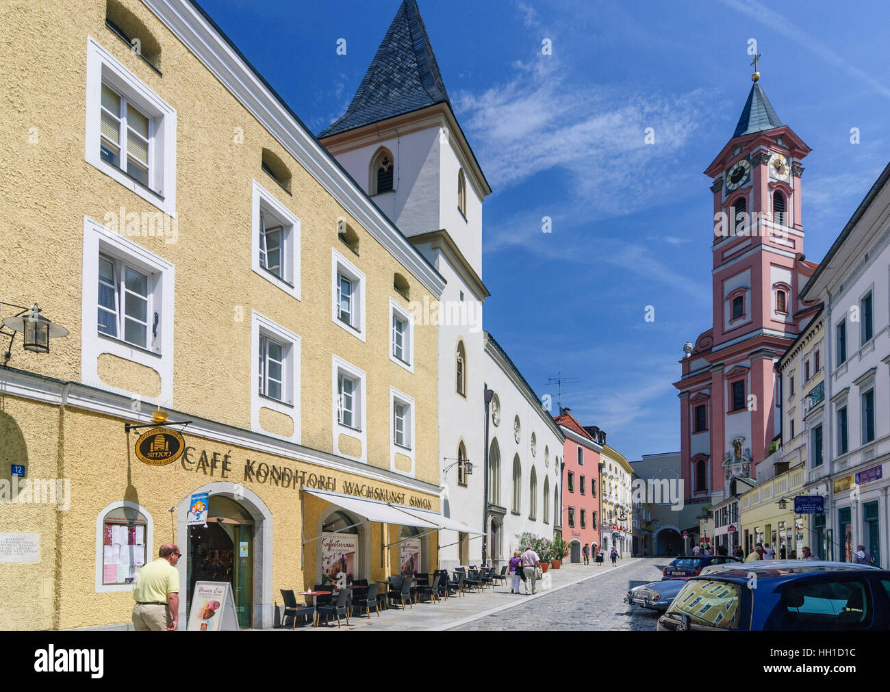 Passau: St. Johannes - Krankenhauskirche und Stadtpfarrkirche St. Paul in der Rinder Markt, Niederbayern, Niederbayern, Stockbild