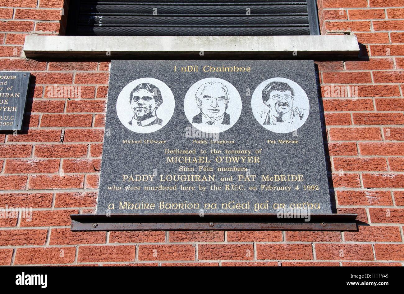 Sinn Féin-Gedenktafel an der Falls Road Stockbild