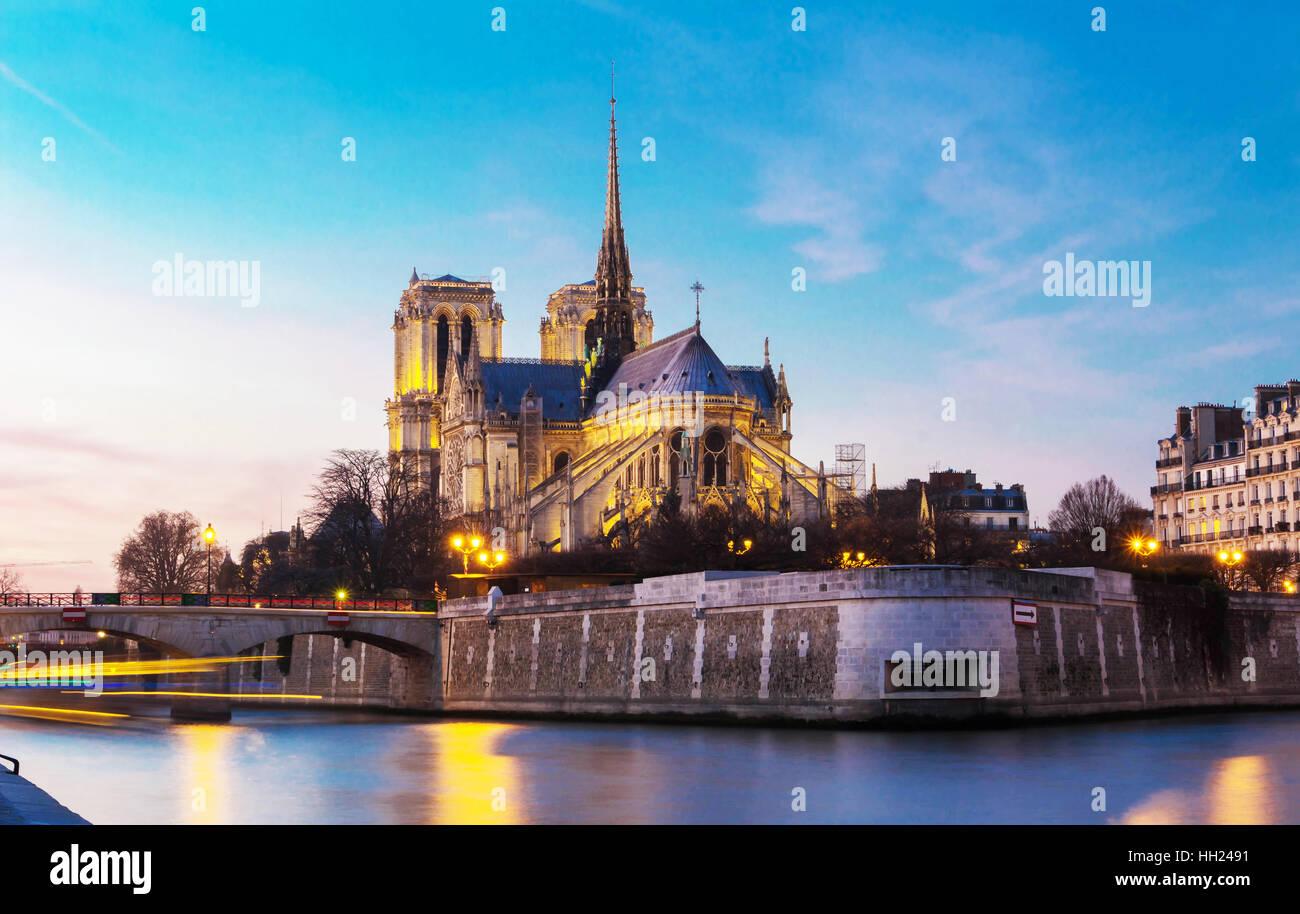 Die Notre-Dame ist historische katholische Kathedrale, eine der meistbesuchten Sehenswürdigkeiten in Paris, Stockbild