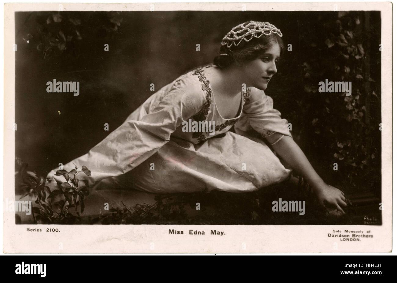 EDNA MAY (1878 ? 1948), Schauspielerin in der Rolle eines Renaissance-Heldin (möglicherweise Julia) Stockbild