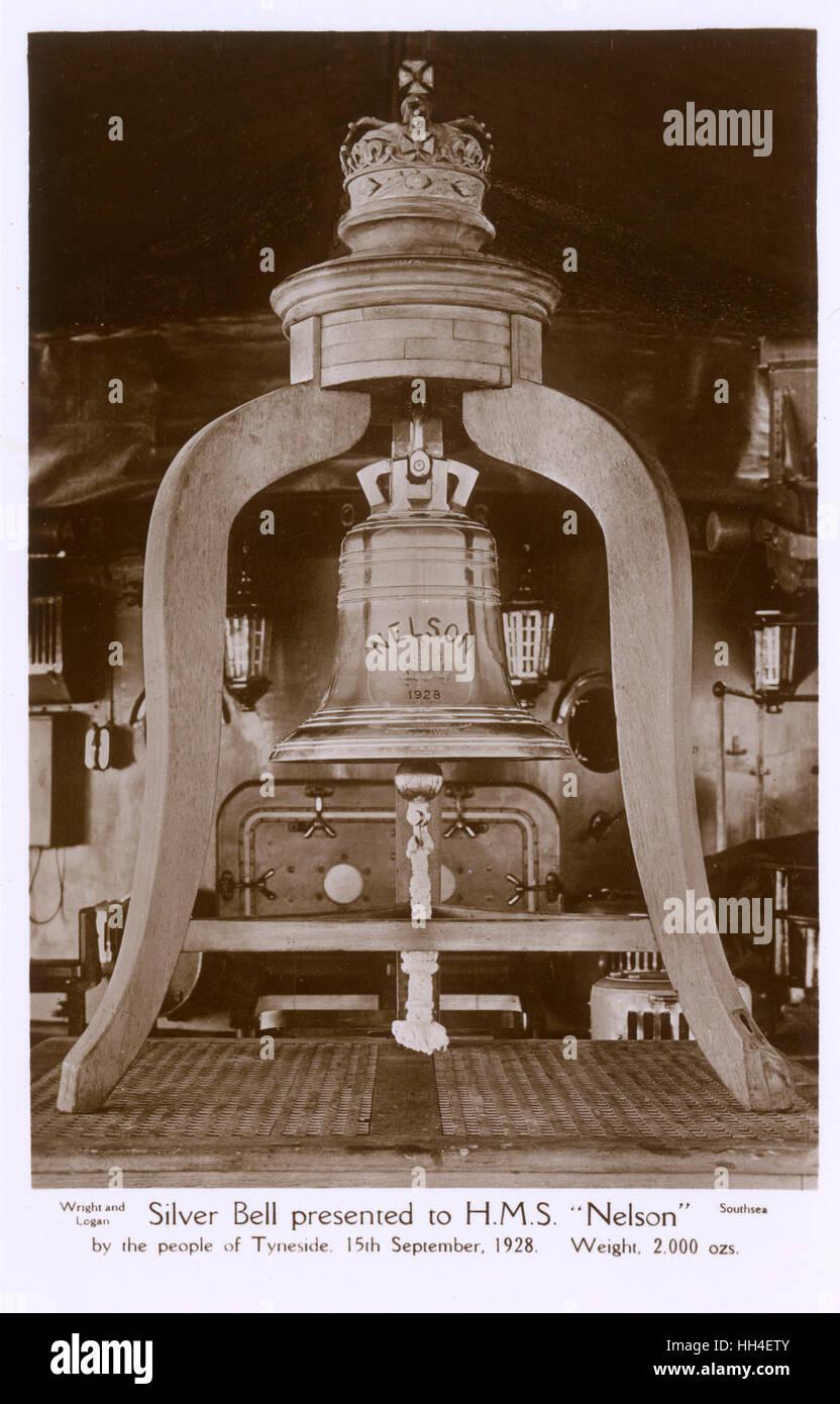 Eine solide Silberne Glocke präsentiert auf der HMS Nelson von den Leuten von Tyneside 15. September 1928 (Gewicht: Stockbild