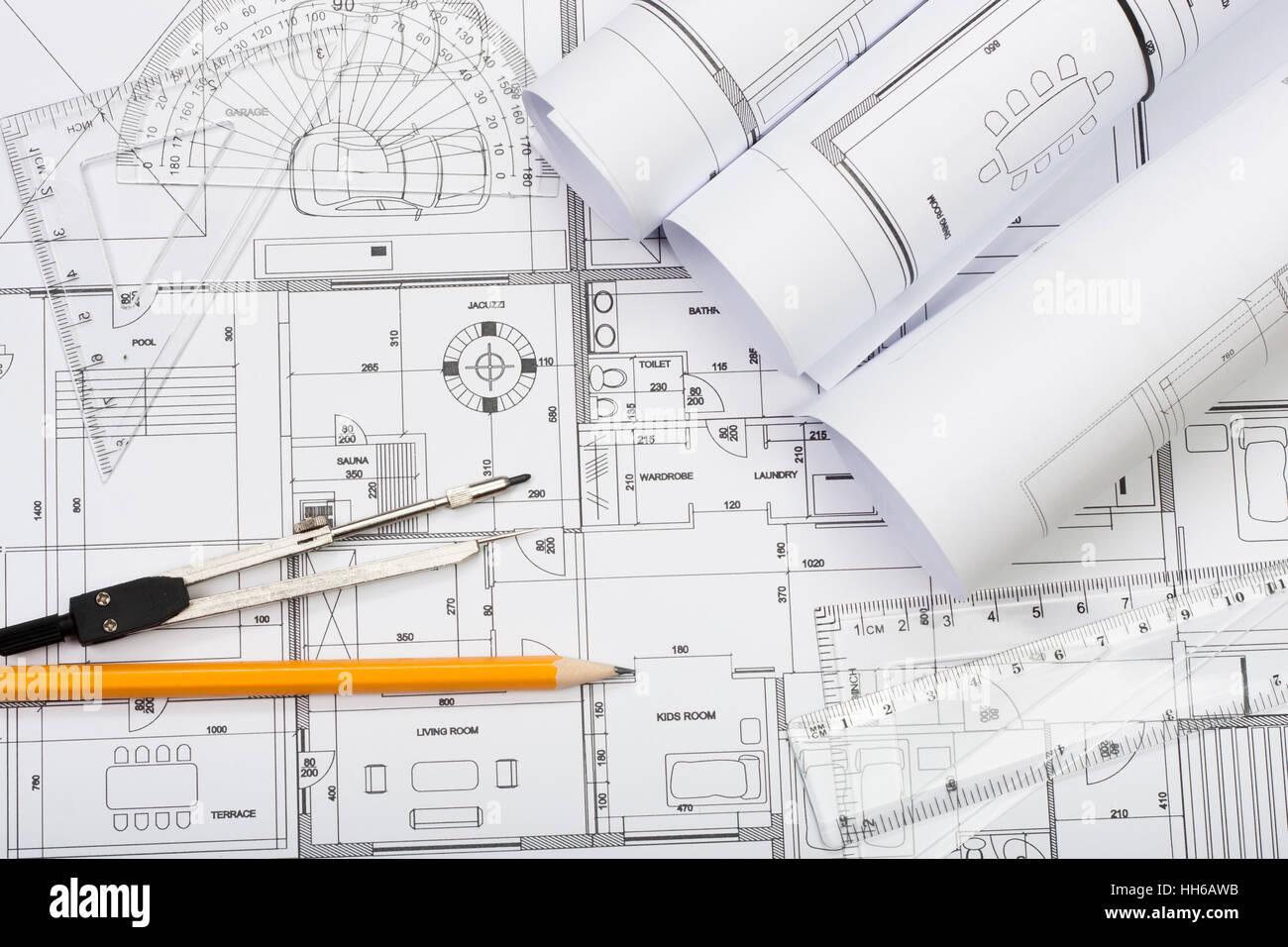 Baupläne, Bleistift und Lineal Stockbild