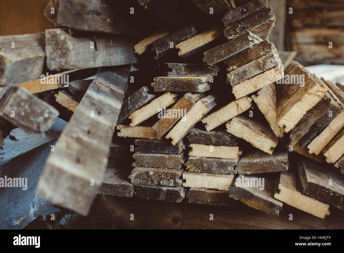Holzbretter Mit Rinde material for plywood stockfotos material for plywood
