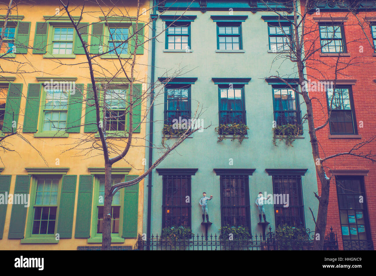 brick apartment new york stockfotos brick apartment new york bilder alamy. Black Bedroom Furniture Sets. Home Design Ideas