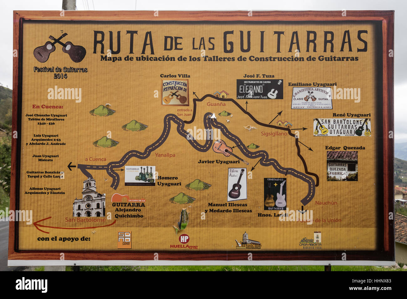 Juli 22,2016 San Bartolome, Ecuador: am Straßenrand Detailkarte der Gitarre Hersteller Route im Hochland Ecuadors Stockbild