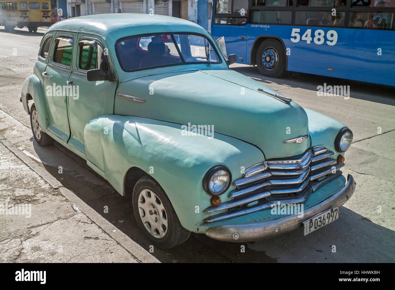 letzten Fußgänger Spaziergänge mint grün American Auto alte Havanna Kuba Stockbild