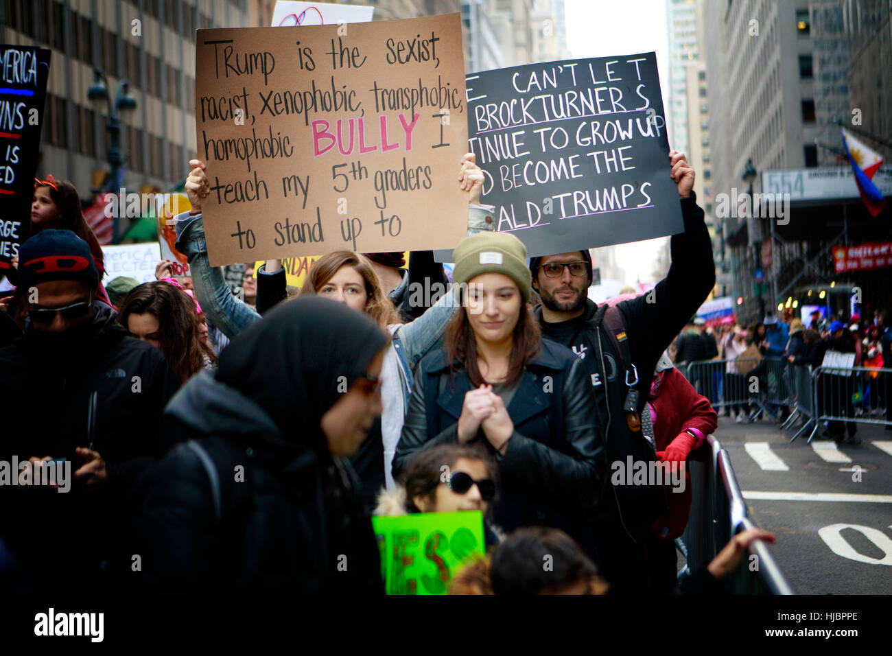 Demonstrant auf die NYC Frauen Marsch Stockbild