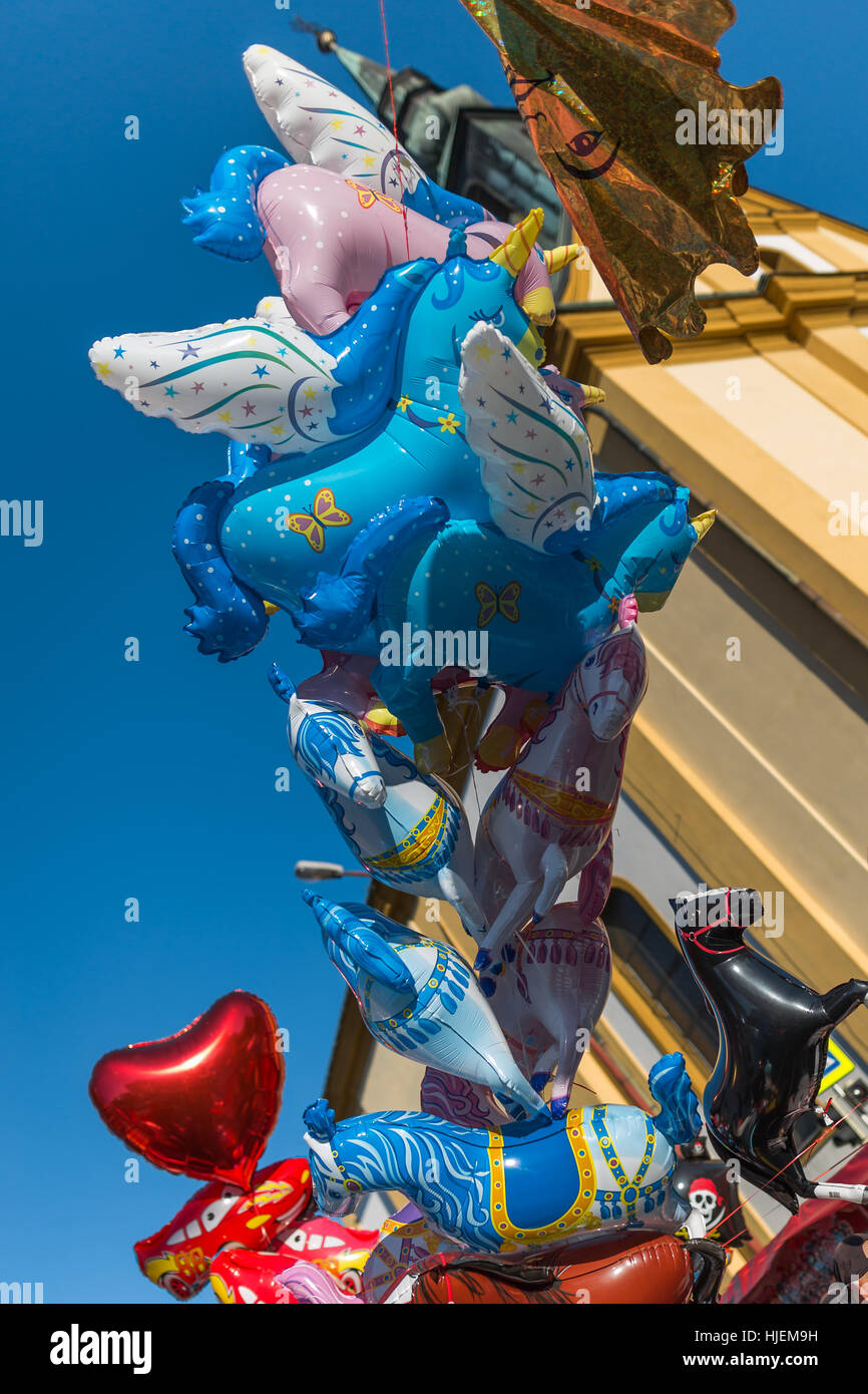 helium luftballons zum verkauf f r kinder w hrend der. Black Bedroom Furniture Sets. Home Design Ideas