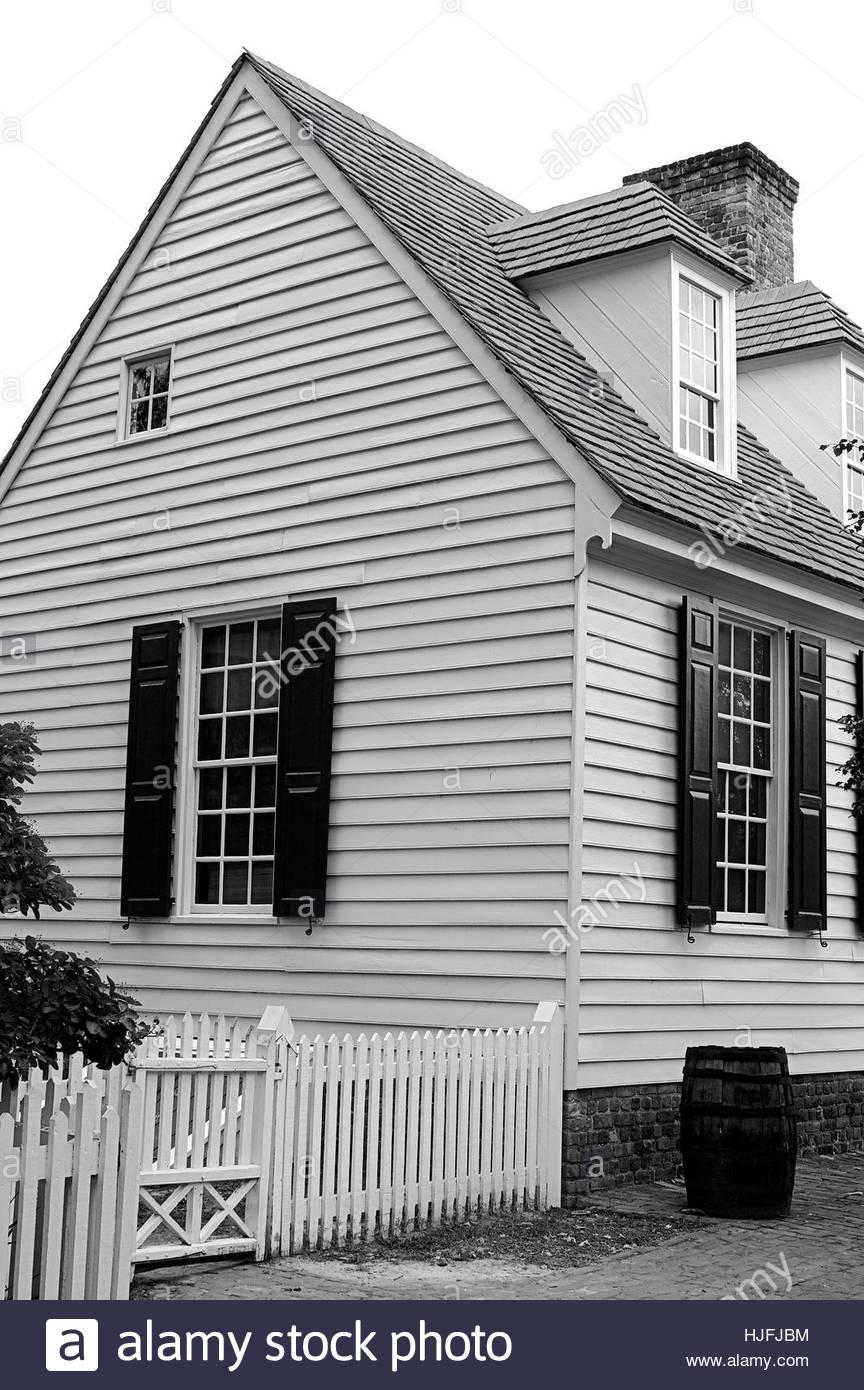 Holzzaun weiße Holzhaus schwarz weiß Stockfoto Bild