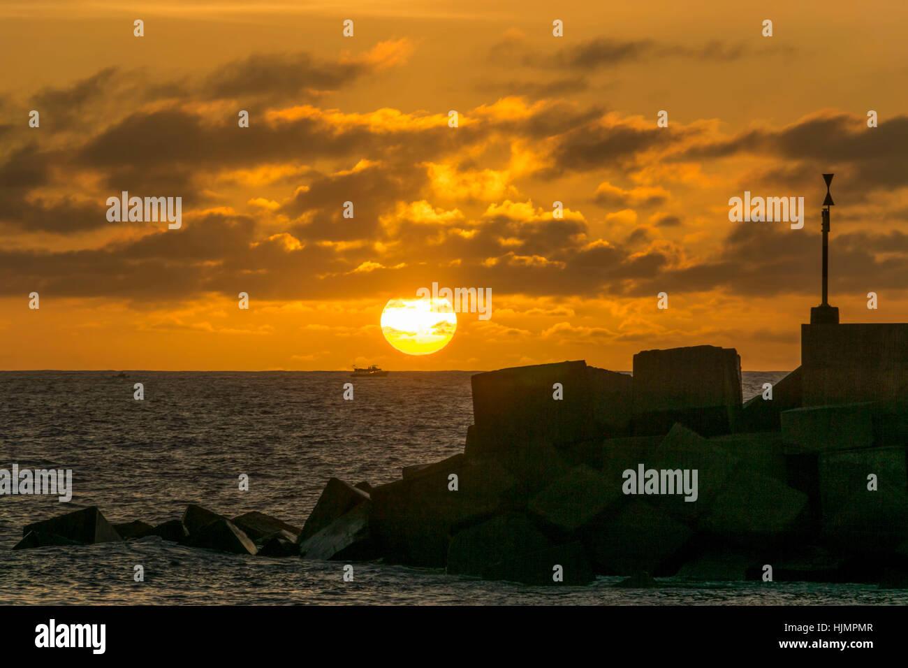 Puerto de Tazacorte, Sonnenuntergang, atlantische Ozean, La Palma, Kanarische Inseln, Spanien Stockbild