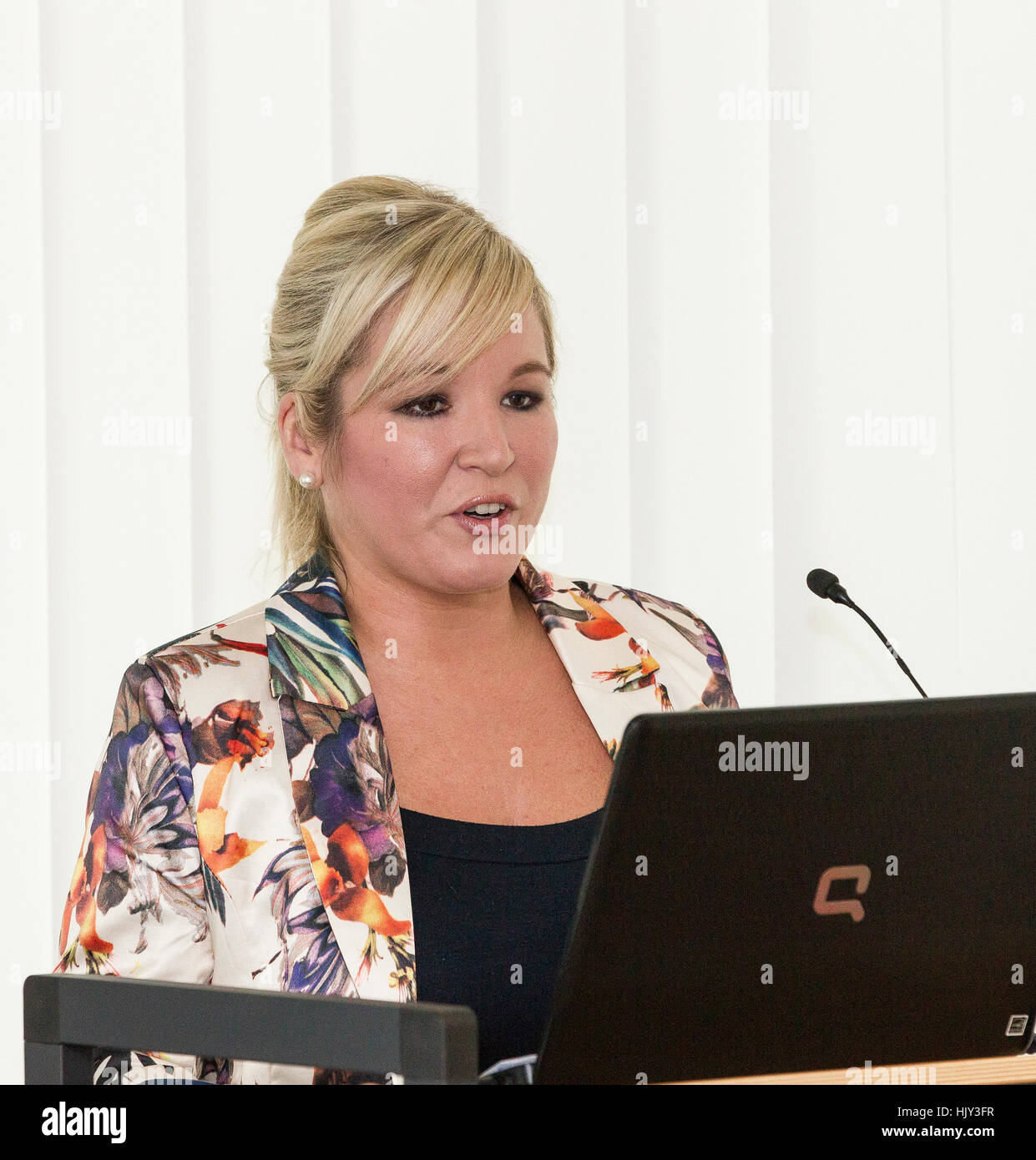 Michelle O'Neill MLA Sinn Féin Nordirland Vereinigtes Königreich Stockbild