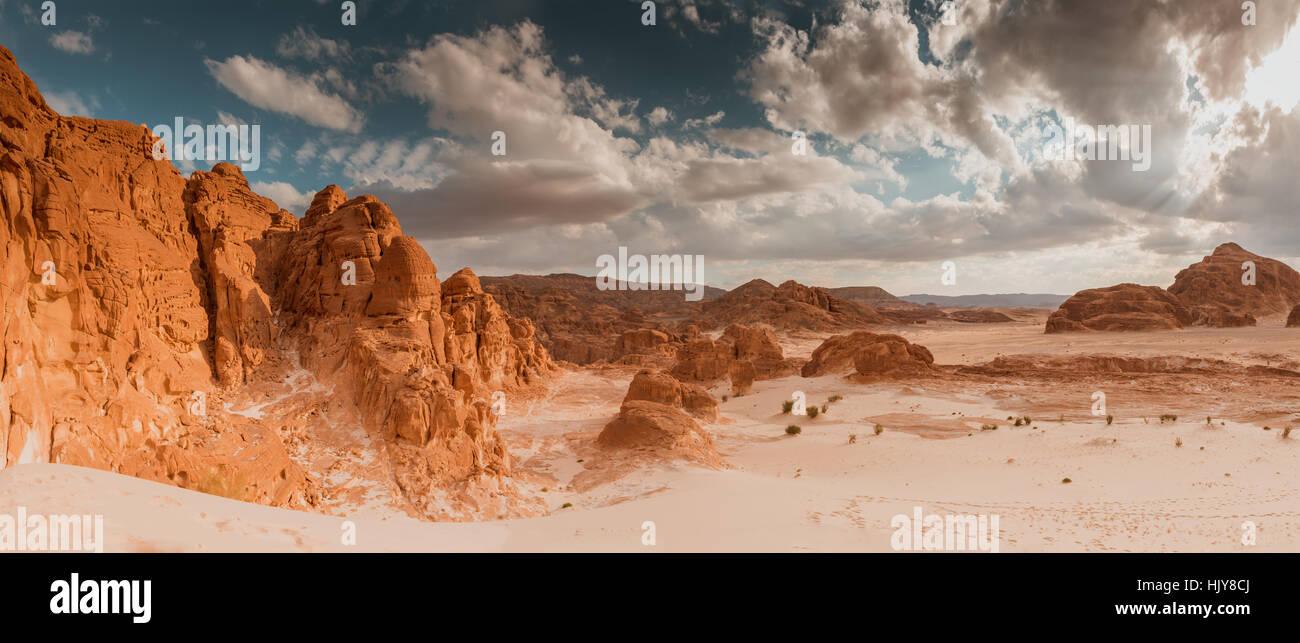 Panorama aus Sand und Fels Wüste Sinai, Ägypten, Afrika Stockbild