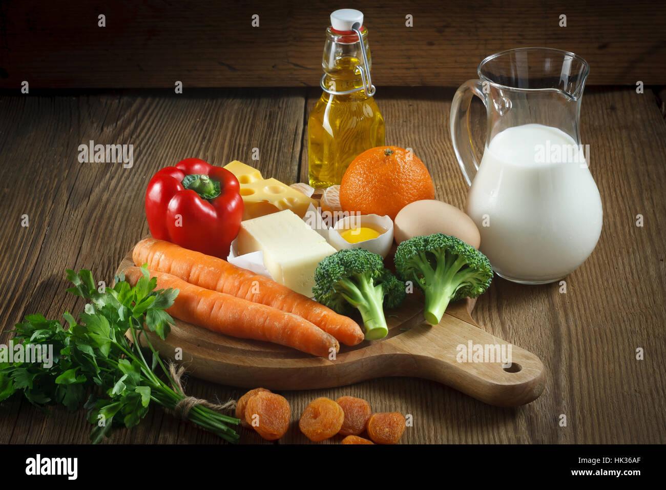 Vitamin A in Lebensmitteln. Stockbild