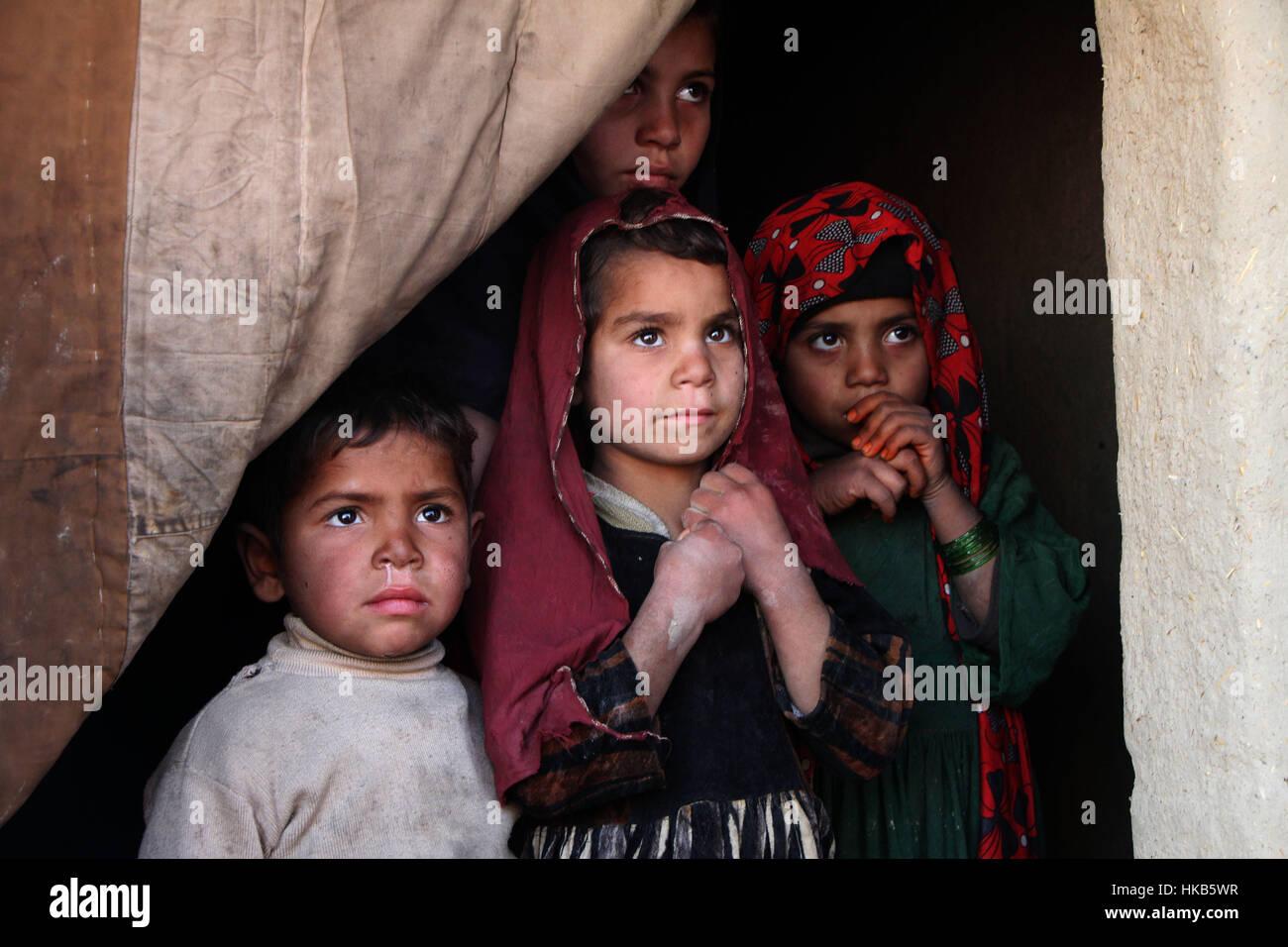 Mehtarlam, Afghanistan. 26. Januar 2017. Afghanische vertriebene ...