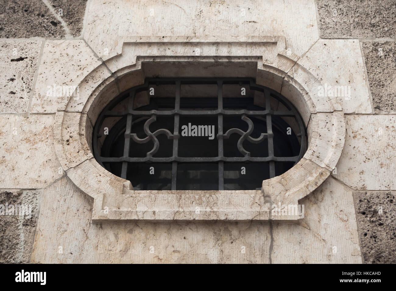 Hakenkreuz im Fenster Gitter auf das Gebäude an das bayerische Ministerium für Wirtschaft, Infrastruktur, Verkehr Stockfoto