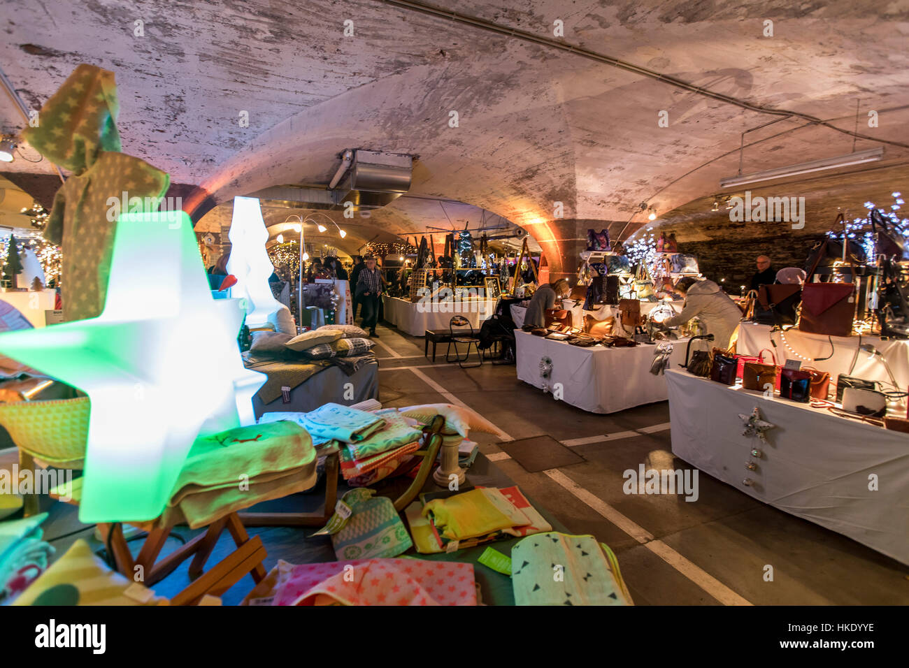 Weihnachtsmarkt Traben Trarbach.Unterirdische Weihnachtsmarkt Weihnachtsmarkt In Alter Wein Vault