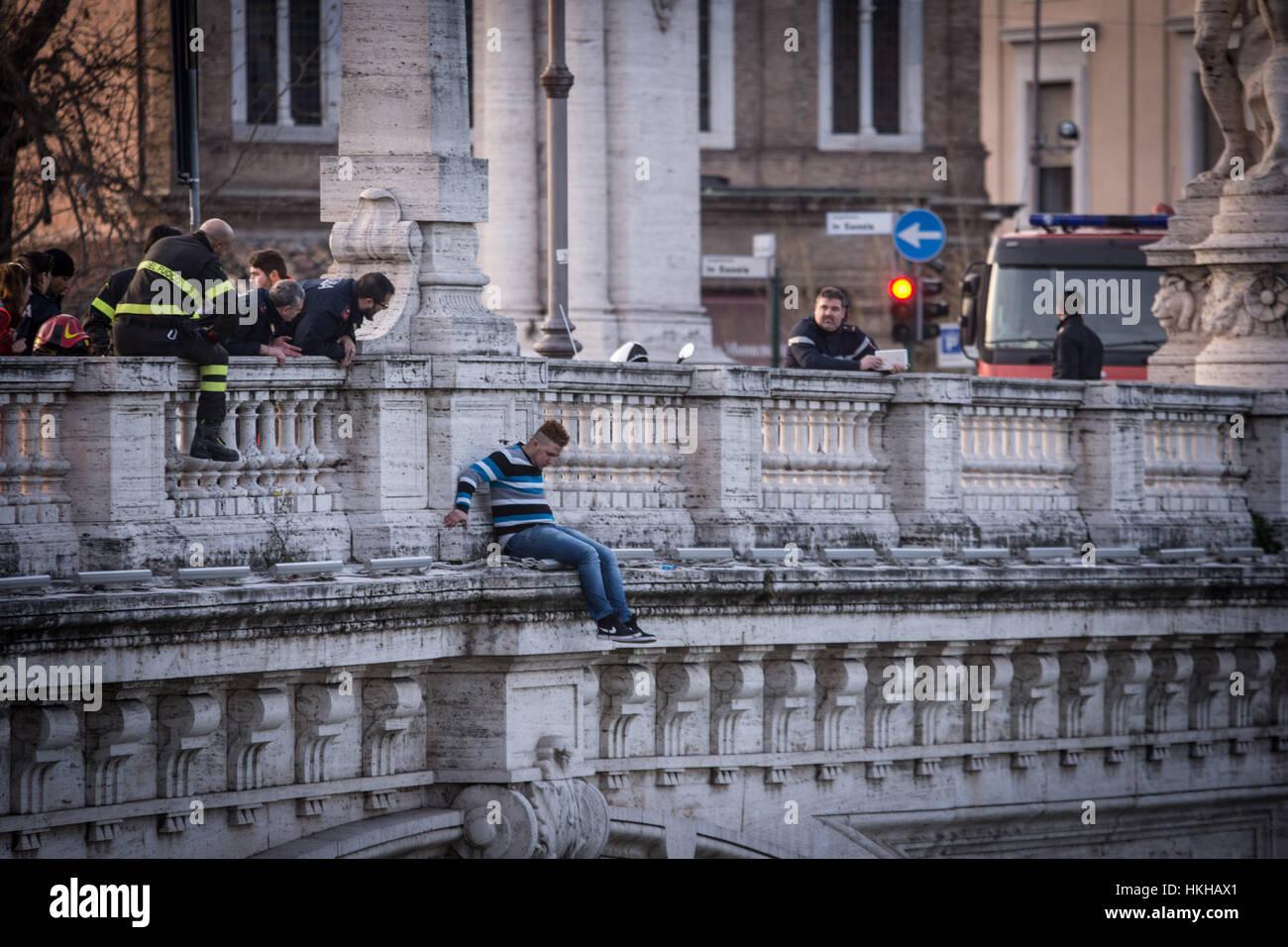 Rom Italien 27 Januar 2017 Selbstmordversuch Von Brücke Vittorio