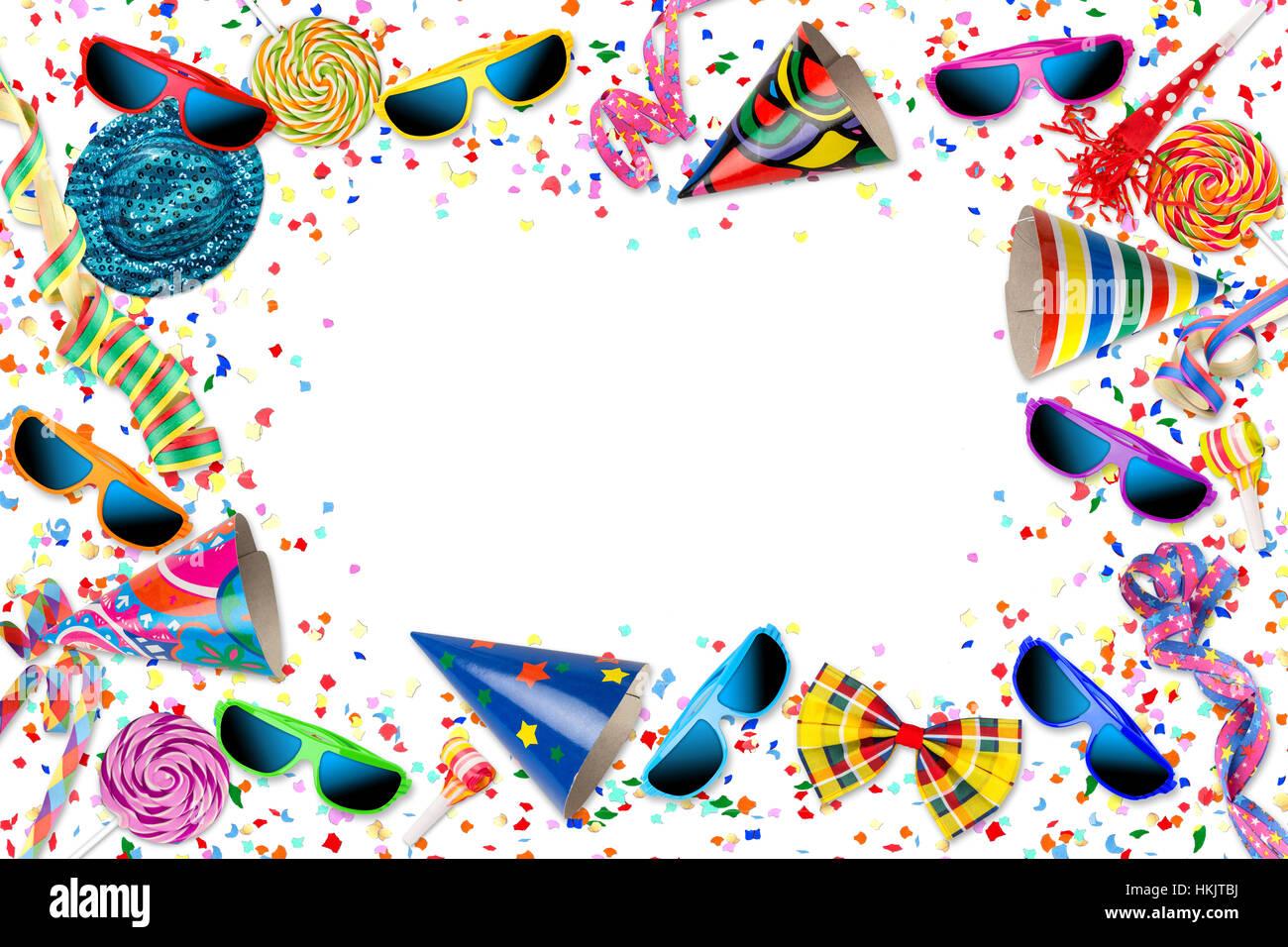 bunte Party Karneval Geburtstag Feier Hintergrund mit bunten Streamer Bonbons Lolly pop Sonnenbrille Konfetti Hut Stockfoto