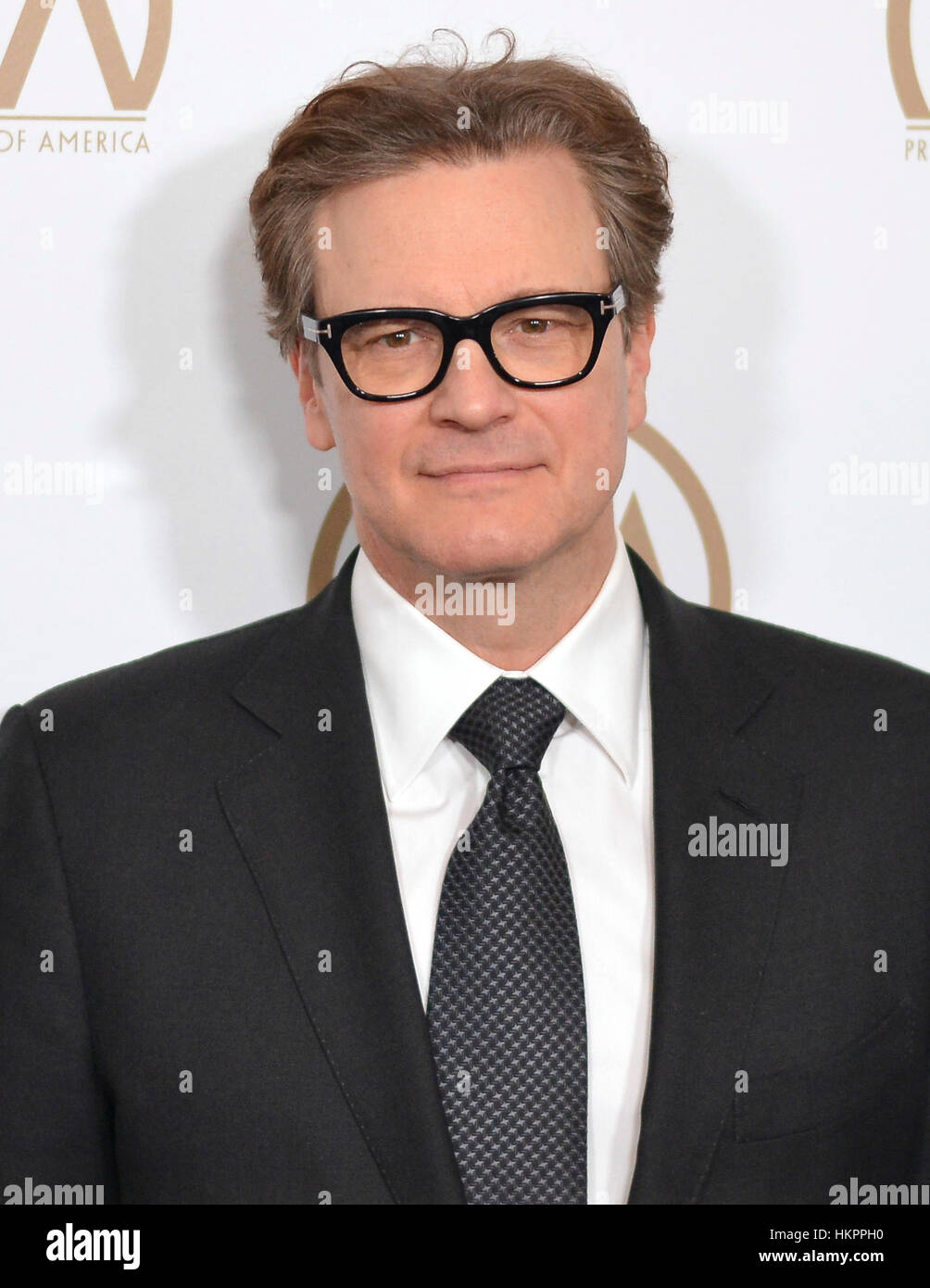 Colin Firth kommt bei der 28. Annual Hersteller Guild Awards im The Beverly Hilton Hotel in Beverly Hills, Kalifornien Stockbild