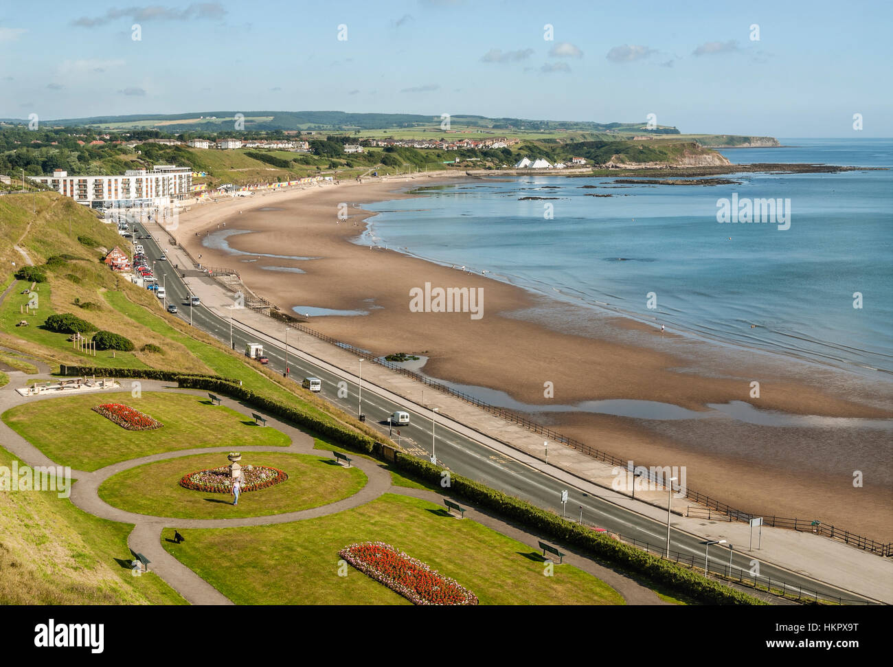 Nord-Strand von Scarborough an der Nordsee-Küste von North Yorkshire, England.    Der Strand Im Nördlichen Stockbild