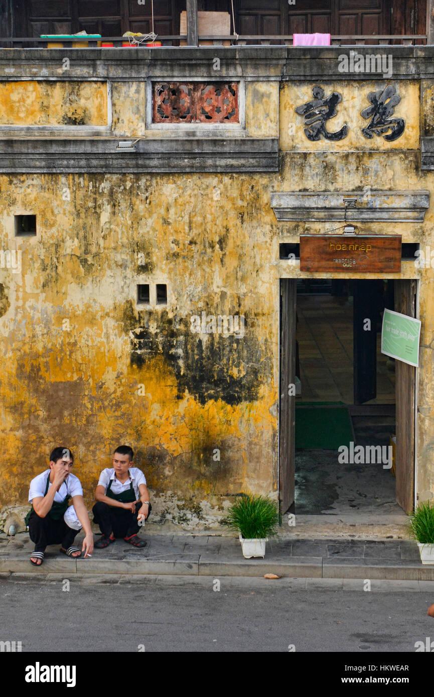 Den gelben Wänden von der malerischen Altstadt von Hoi an An, Vietnam Stockbild