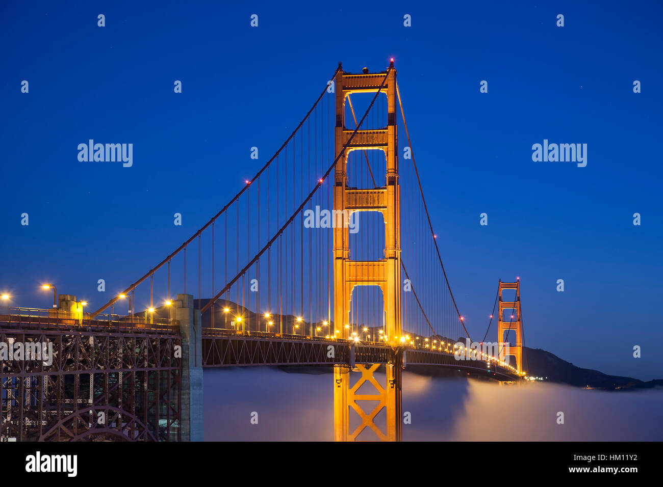 Golden Gate Bridge und Nebel, San Francisco, Kalifornien, USA Stockbild