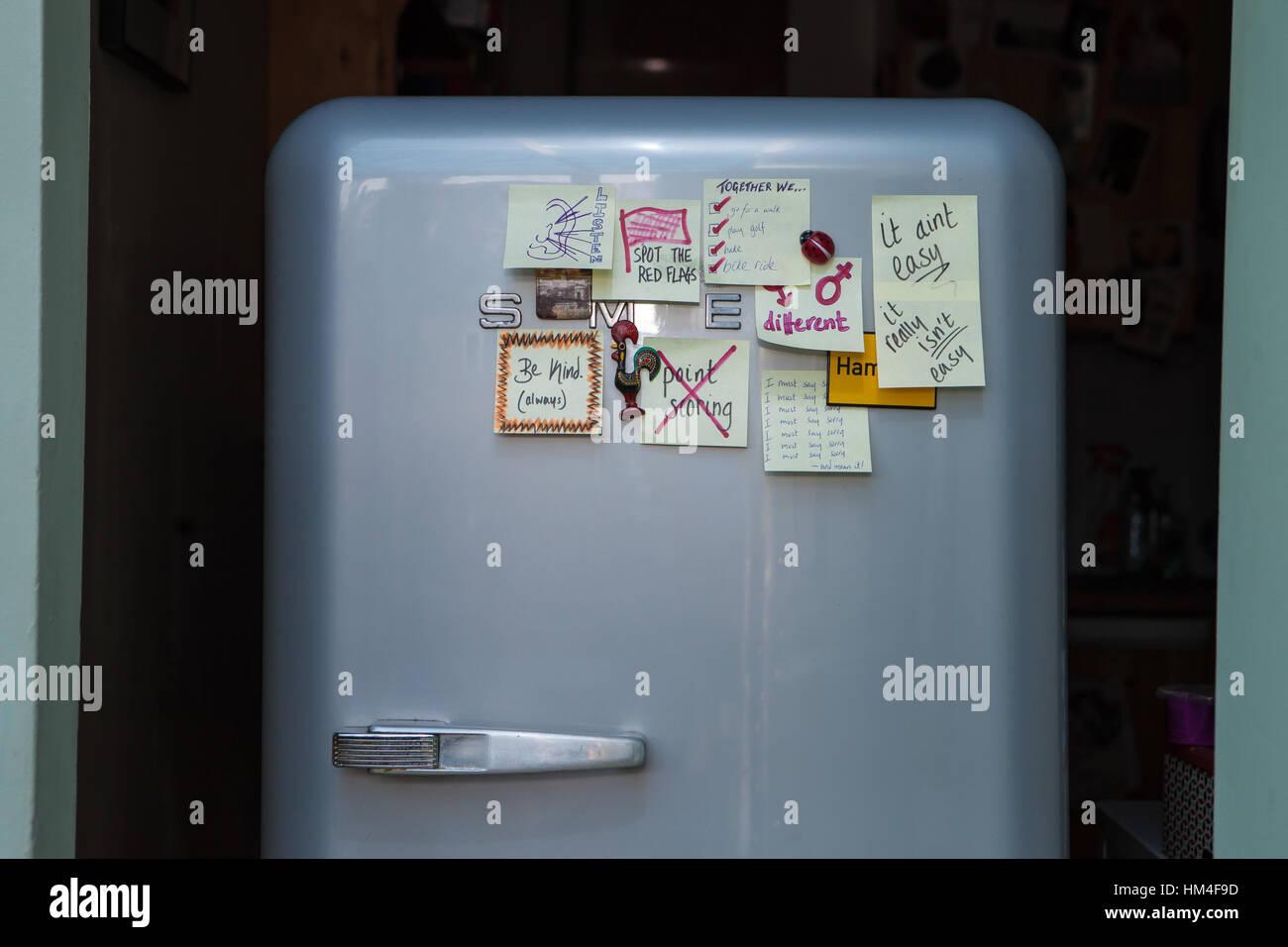Smeg Kühlschrank Alternative : Smeg kühlschrank fab lo energieklasse a höhe cm
