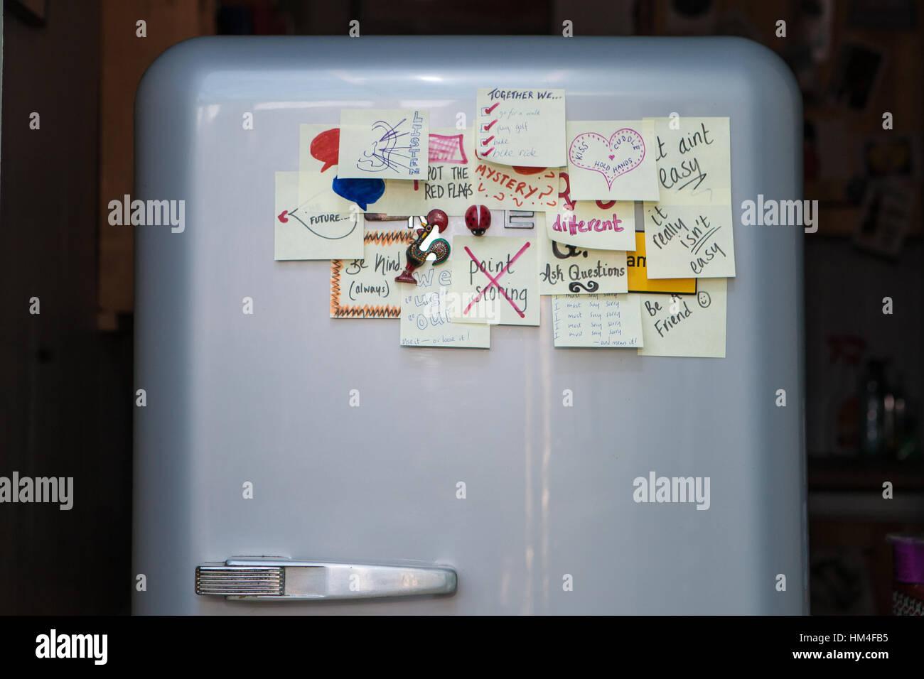 Smeg Kühlschrank Schiefer : Smeg kühlschrank stockfotos smeg kühlschrank bilder alamy
