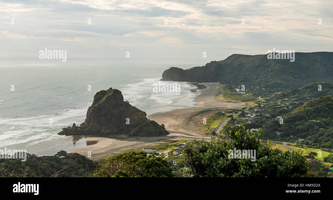 Piha Beach, in der Nähe von Auckland, Nordinsel, Neuseeland Stockbild