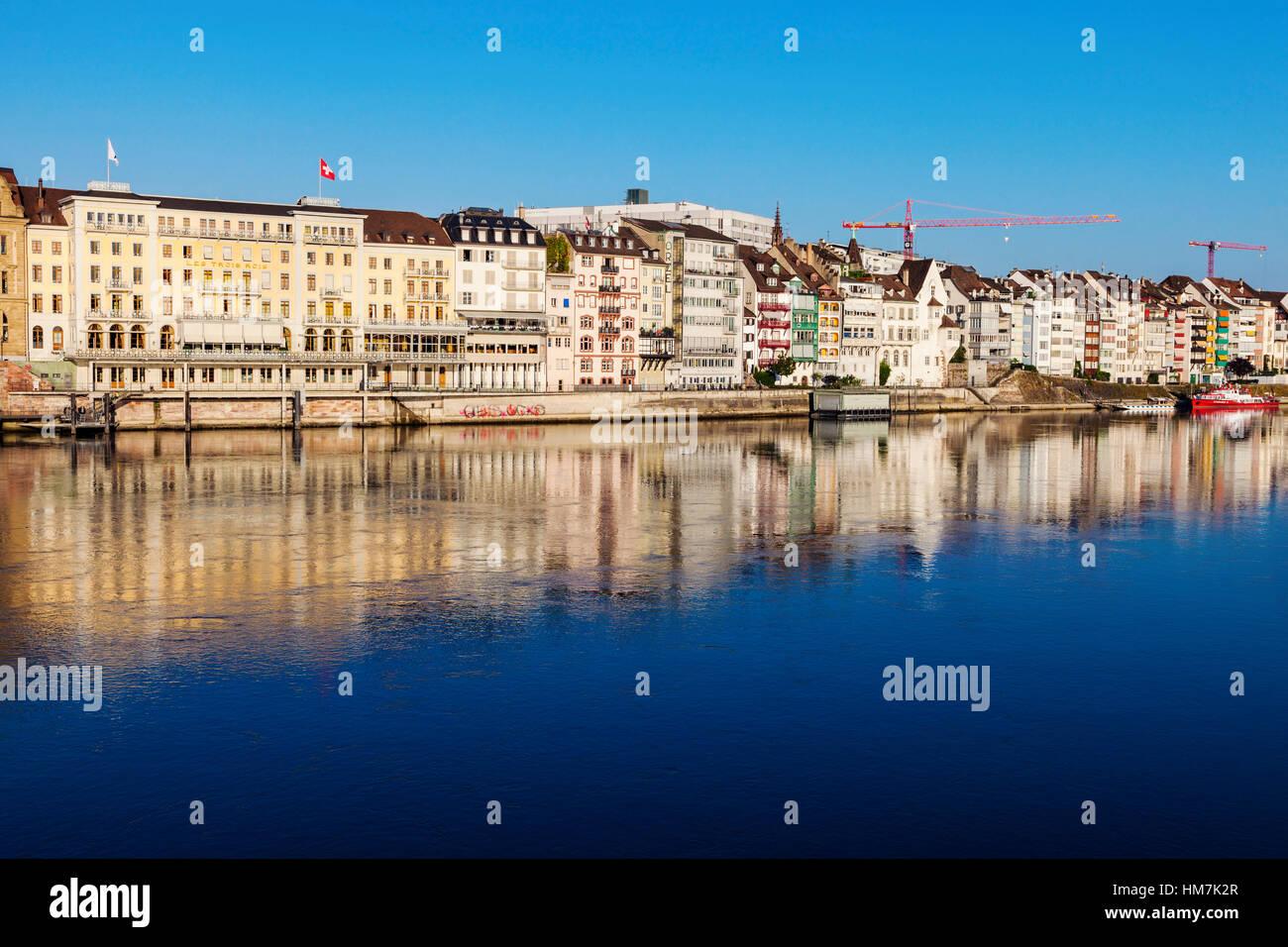 Schweiz, Basel, Basel-Stadt, Häuser von Rhein Stockbild