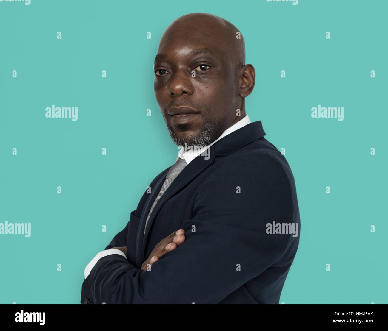 Afrikanischer Herkunft Man Falten Arme Konzept Stockbild