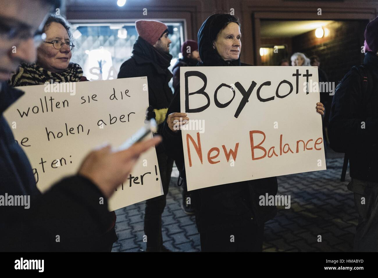 Berlin, Deutschland. 2. Februar 2017. Etwa 25 Demonstranten rally ...