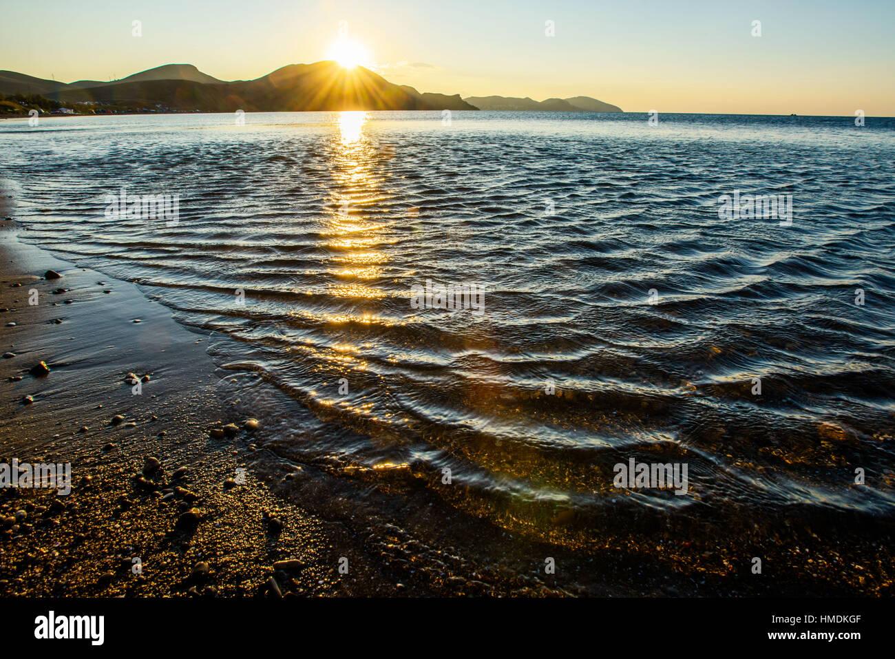 mystischen Sonnenaufgang des Meeres Stockbild