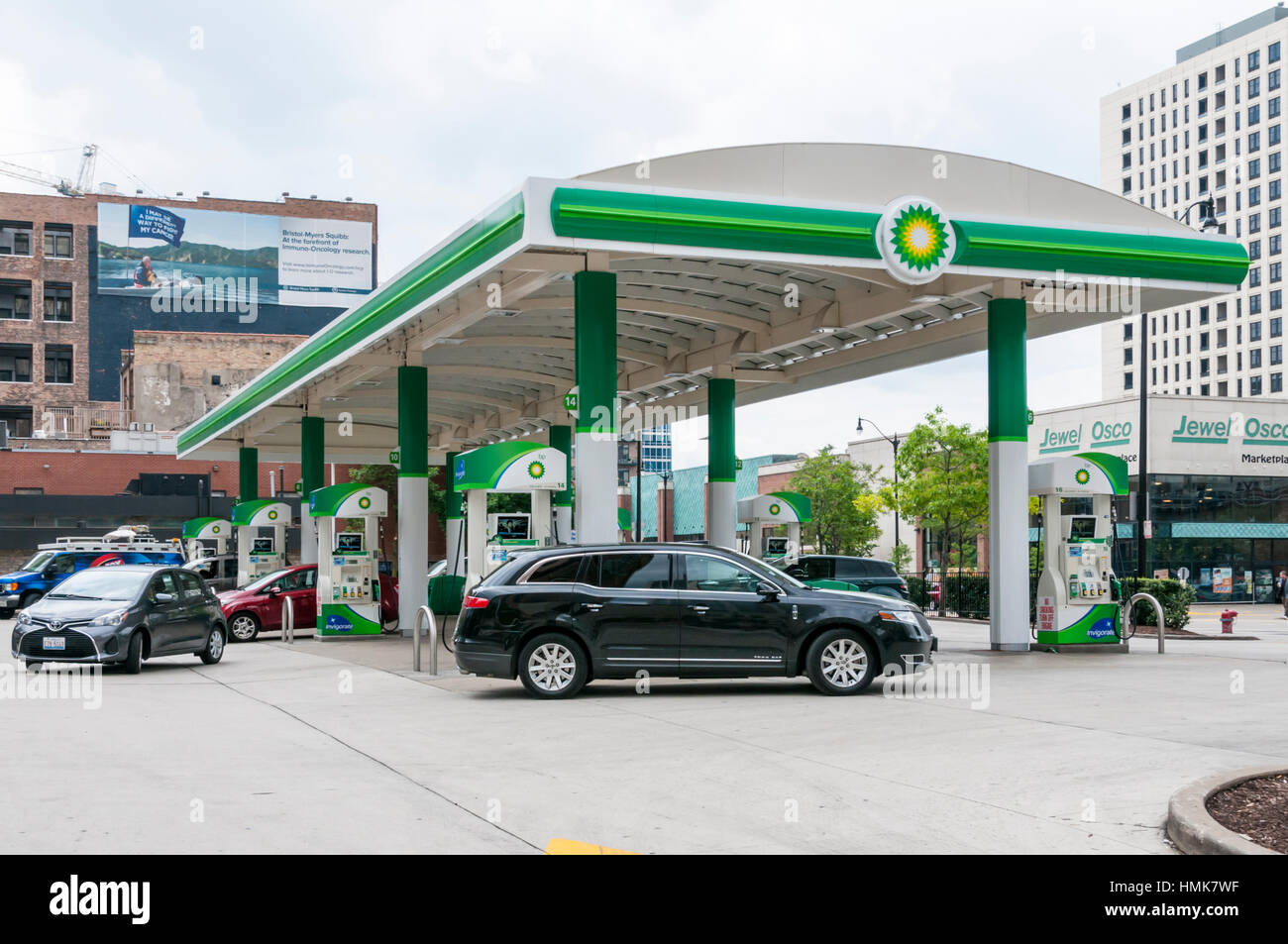Garage Canopy Chicago : Vorplatz der bp tankstelle in chicago usa stockfoto bild