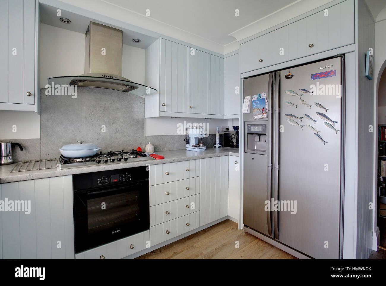 Blue Cupboard Storage Stockfotos & Blue Cupboard Storage Bilder - Alamy