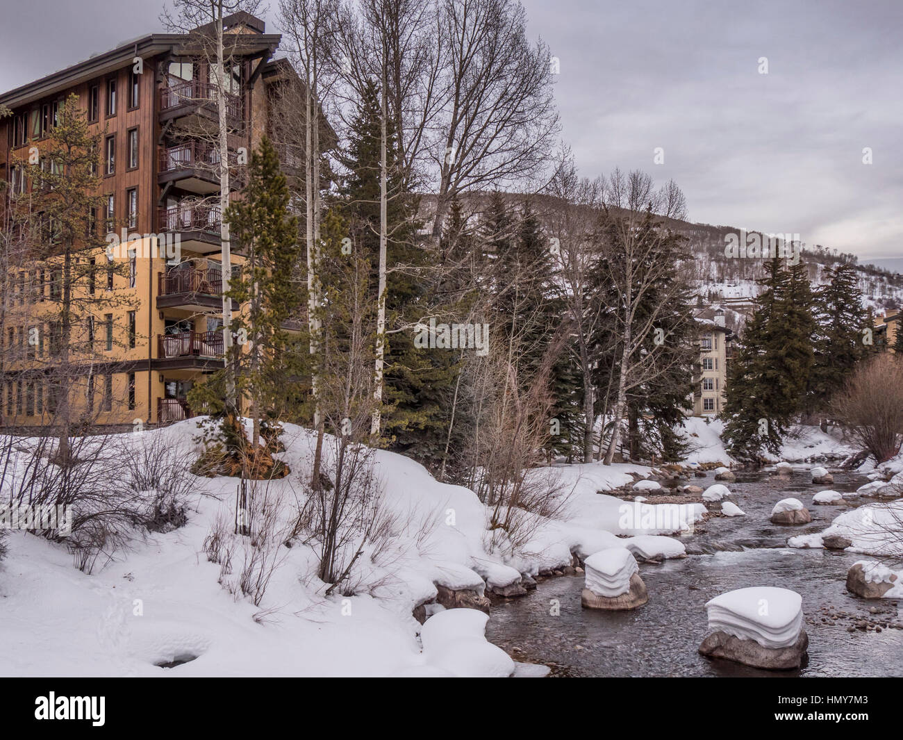 Gore Creek, Vail Village, winter, Vail Ski Resort, Vail, Colorado. Stockbild