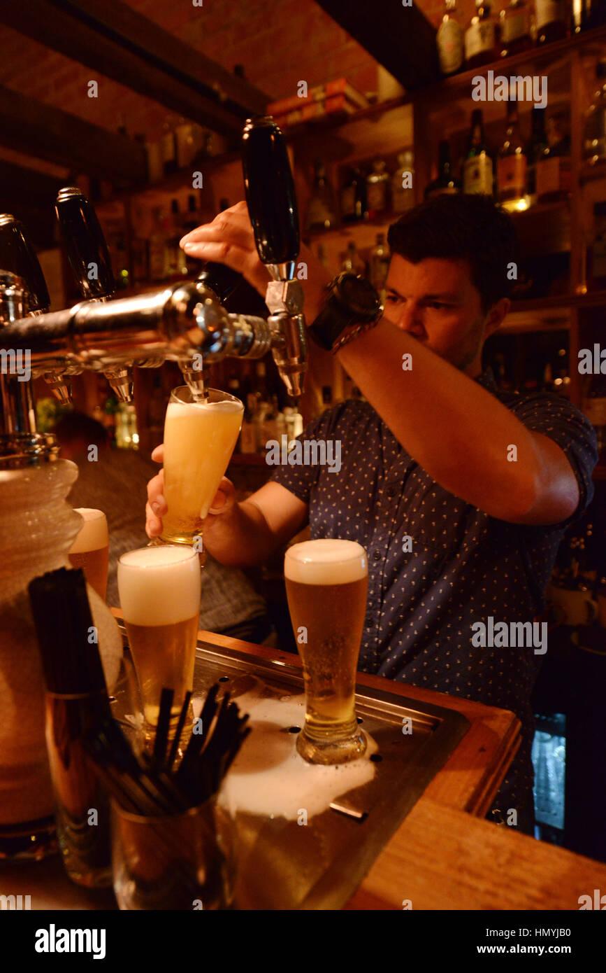Die trendige coole Udaberri Pintxos Y Vino Bar in Adelaide, Australien. Stockfoto