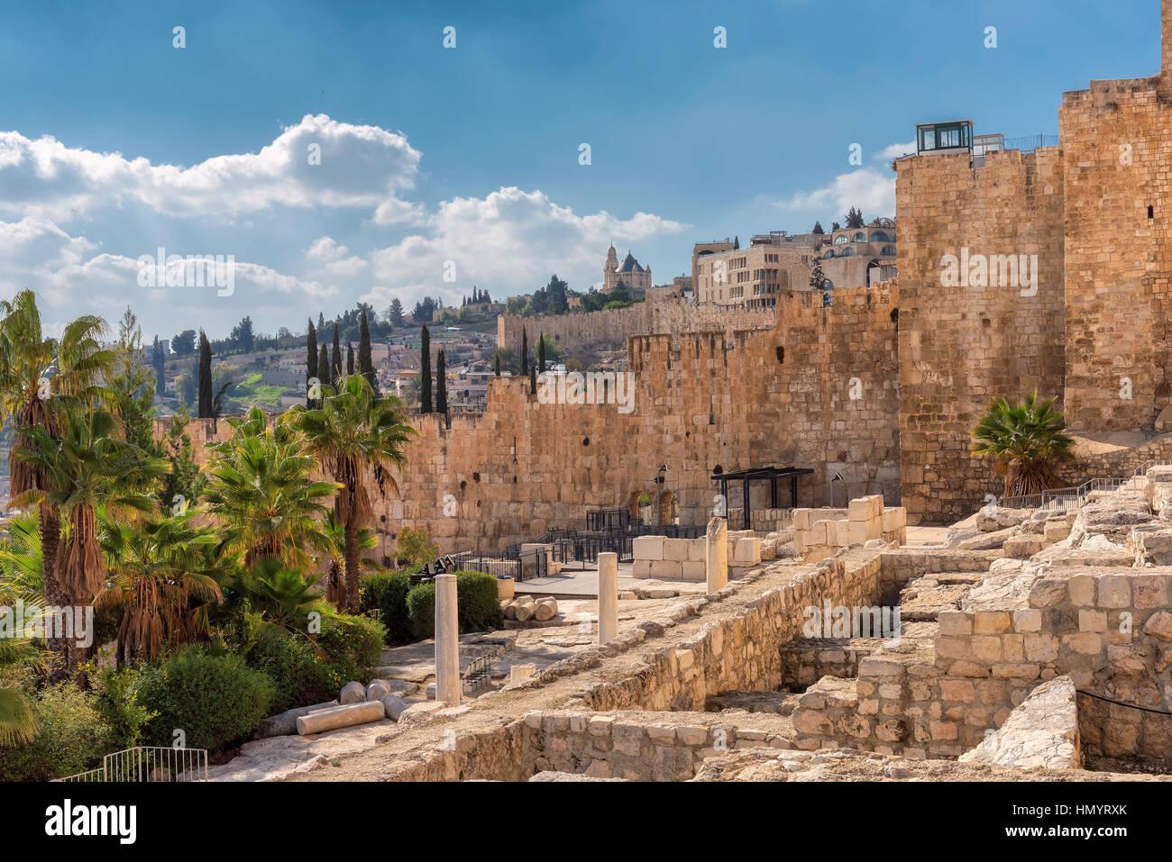 Ein Blick auf die antike Altstadt von Jerusalem vom Tempelberg, Jerusalem, Israel. Stockbild
