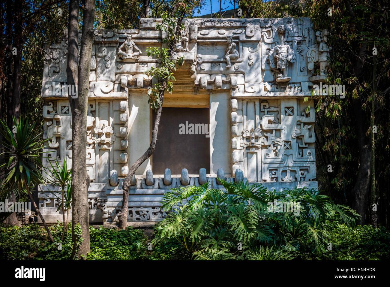 Das Nationalmuseum für Anthropologie (Spanisch: Museo Nacional de Antropología, MNA) ist ein nationales Stockbild