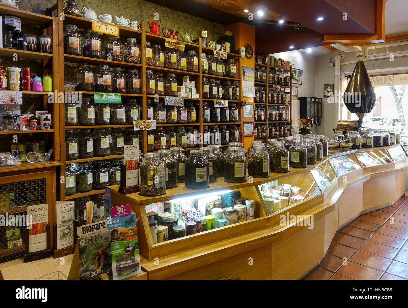Top Innere des Tee-Shop riesige Auswahl an Tees und Kaffee, Spanien zu #FG_47